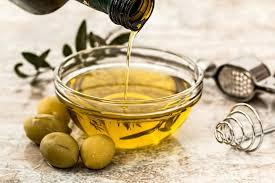 Pesquisa mostra que esquentar o azeite não tira seus benefícios nutricionais